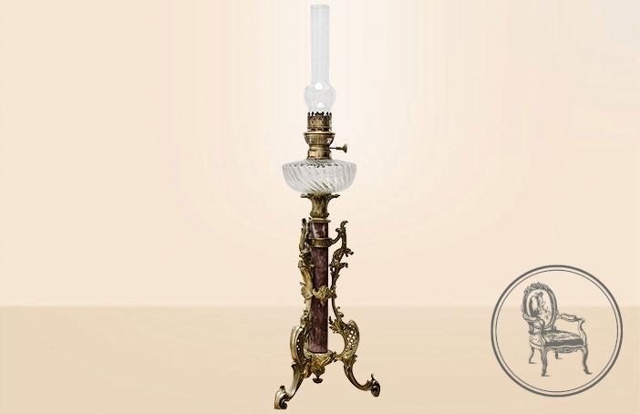 Антикварная керосиновая лампа