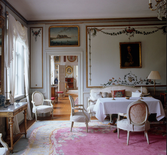 Густавианский стиль в интерьере квартиры и загородного дома